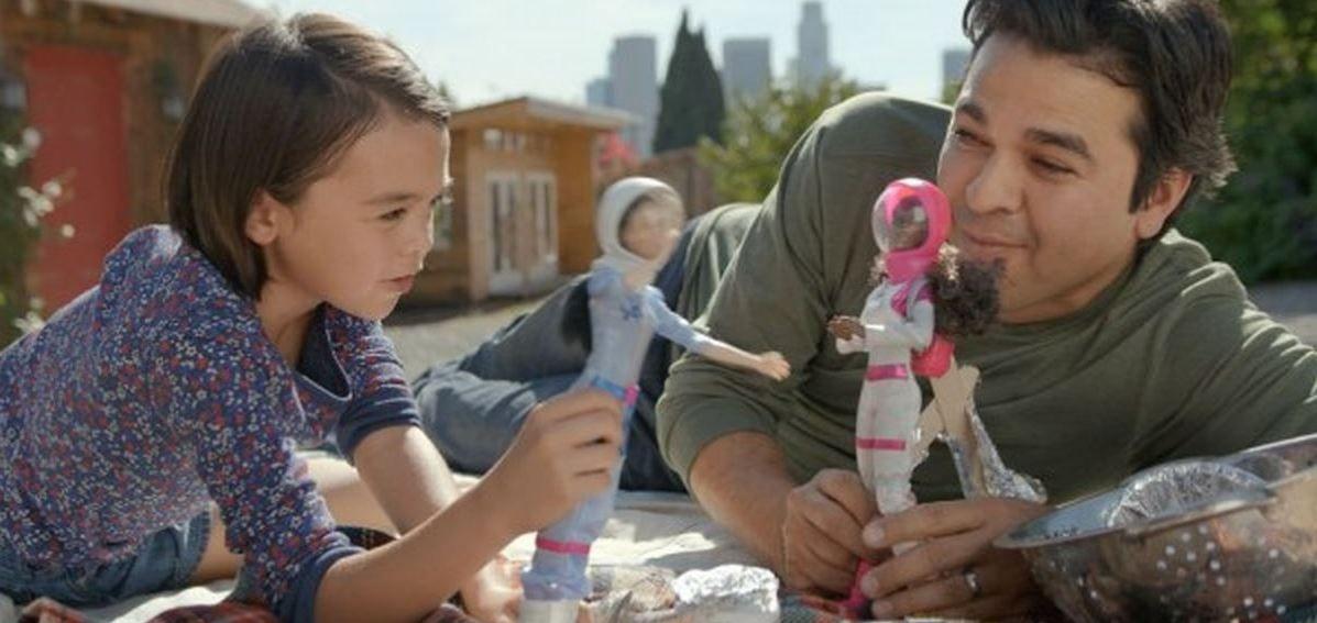 Papas-que-juegan-con-Barbies