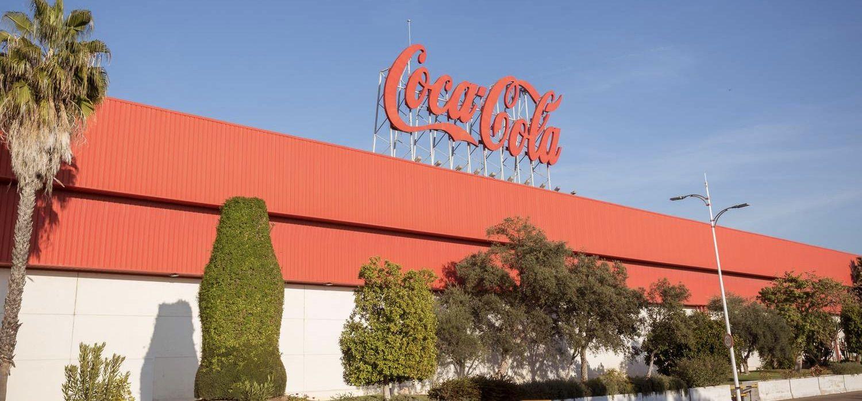 """Para """"los mejores momentos"""" ... y cuando la sociedad, empleados y clientes más necesitan a Coca Cola, la respuesta es la misma: Estamos Aquí."""