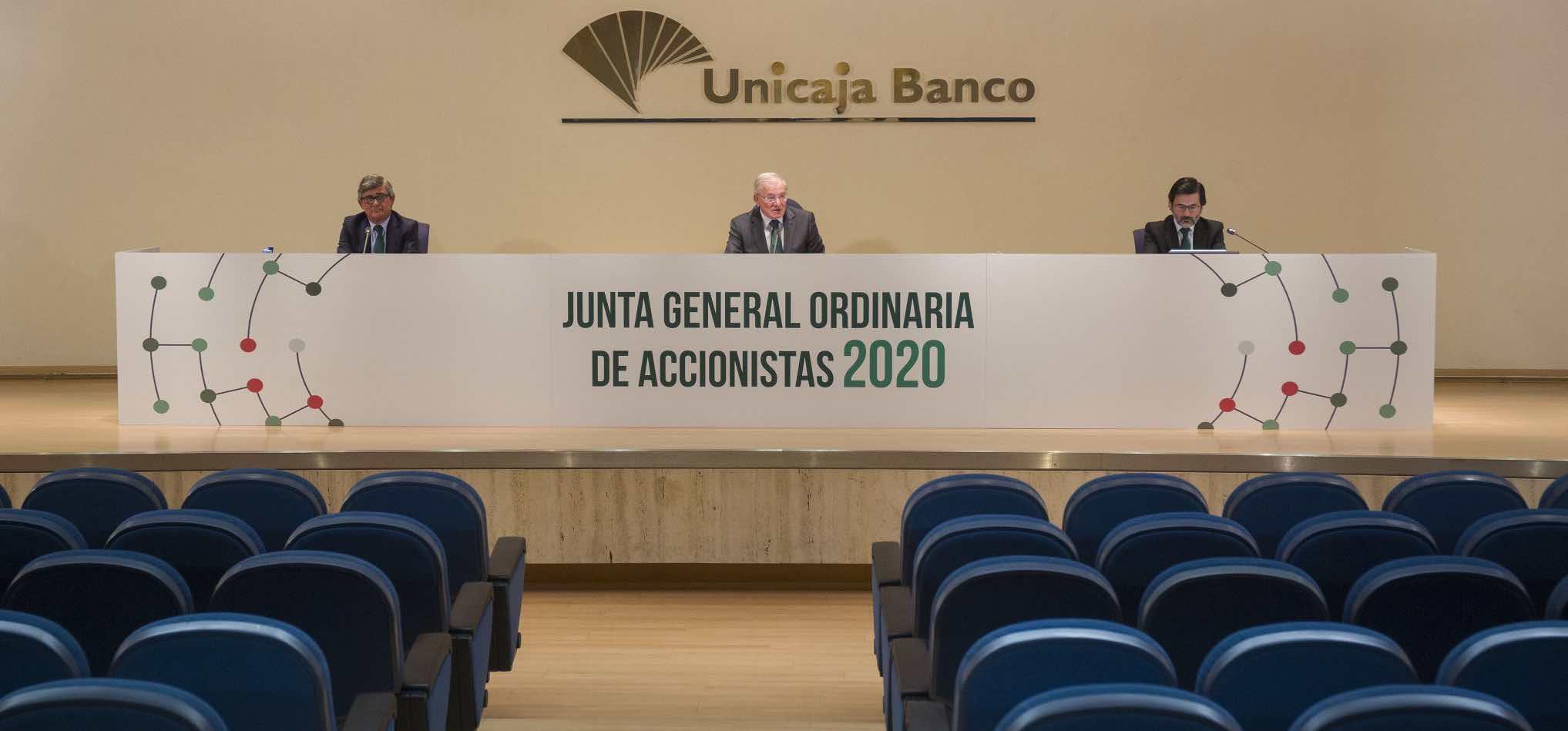 Unicaja banca solución crisis