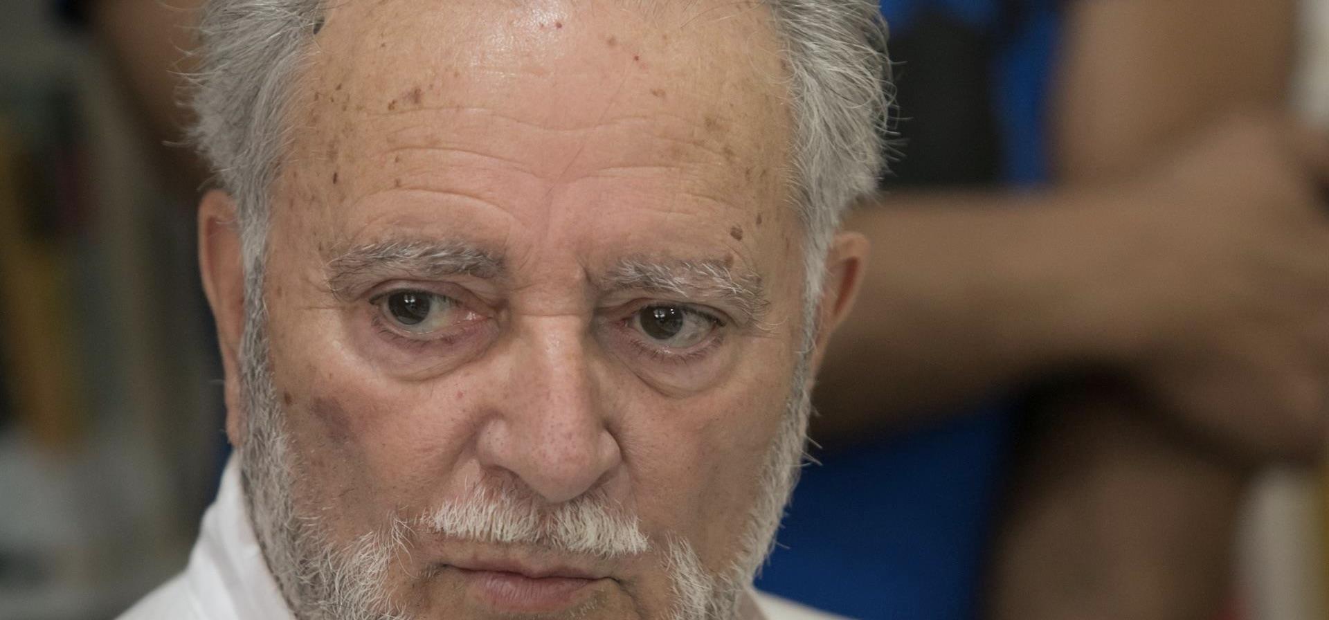 Hoy ha fallecido Julio Ánguita, un política que dominó las artes de la comuniación y la oratoria en sus distintas responsabilidades. Tenía 73 años.