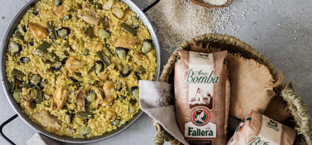 Aunque su cuna es la Comunidad Valenciana, podemos decir que la Humanidad ya es patrimonio de la Paella. Prueba a hacer con Arroz La Fallera Bomba.