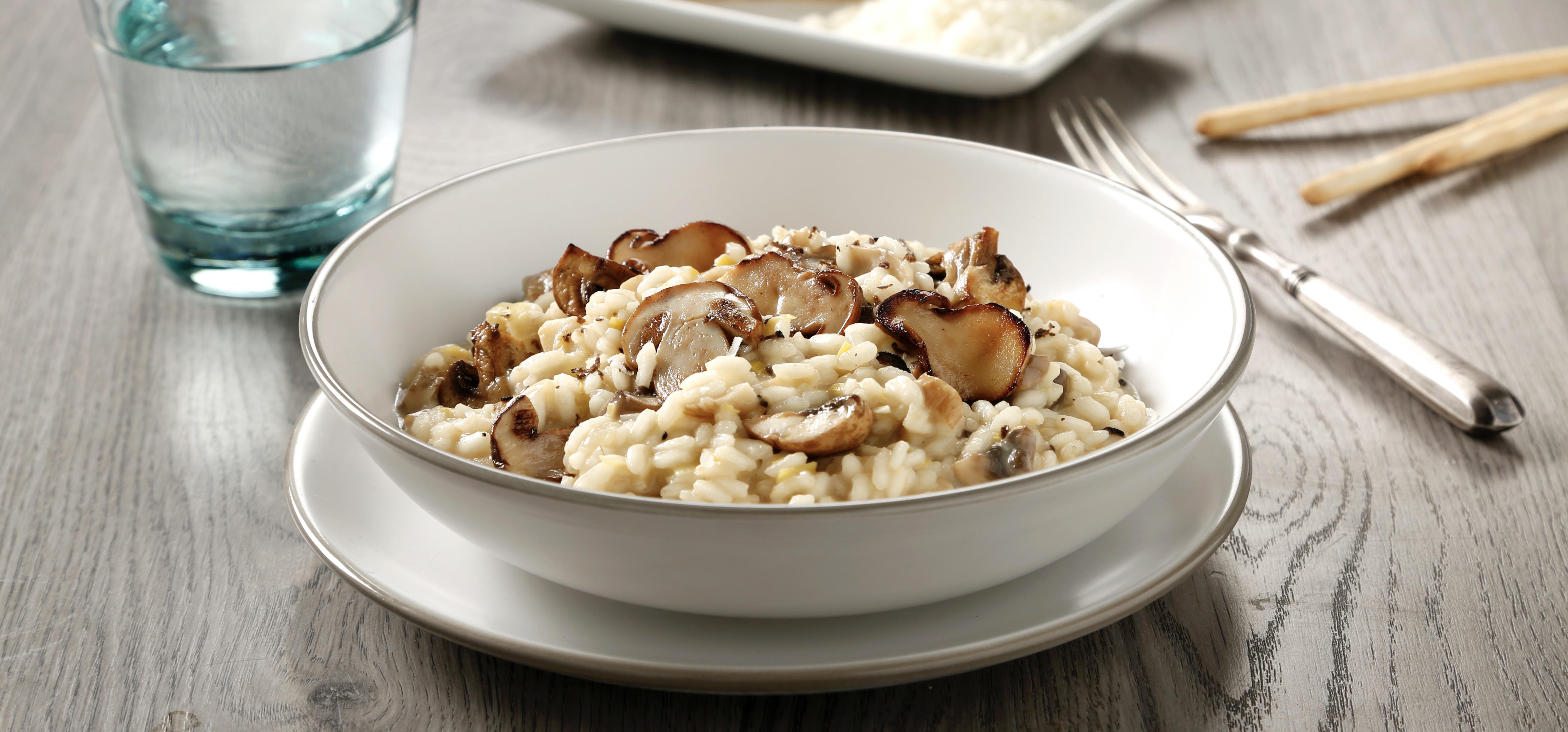 """Practica esta receta de Rissotto de Setas, riza el """"riso"""" (arroz en italiano) con tus invitados, familiares o en una cita especial y a disfrutar."""