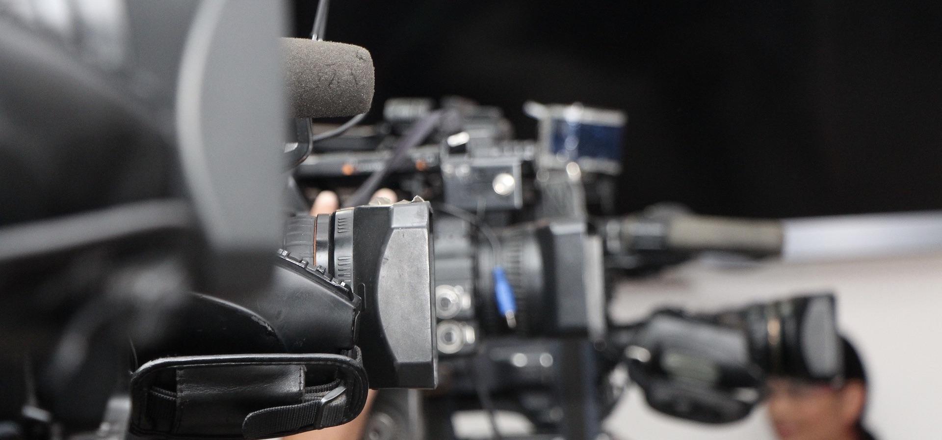 La desescalada ya permite preguntas sobre si convocar ruedas de prensa o no. El Colegio de Periodistas de Andalucía ha elaborado unas recomendaciones.