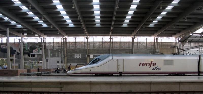 Las estaciones de AVE de Córdoba, María Zambrano (Málaga) y Santa Justa (Sevilla) contarán con wifi a partir del verano del 2021.