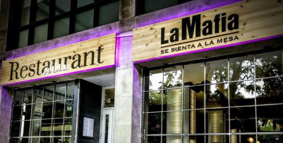 LaMafiaSeSientaALaMesa