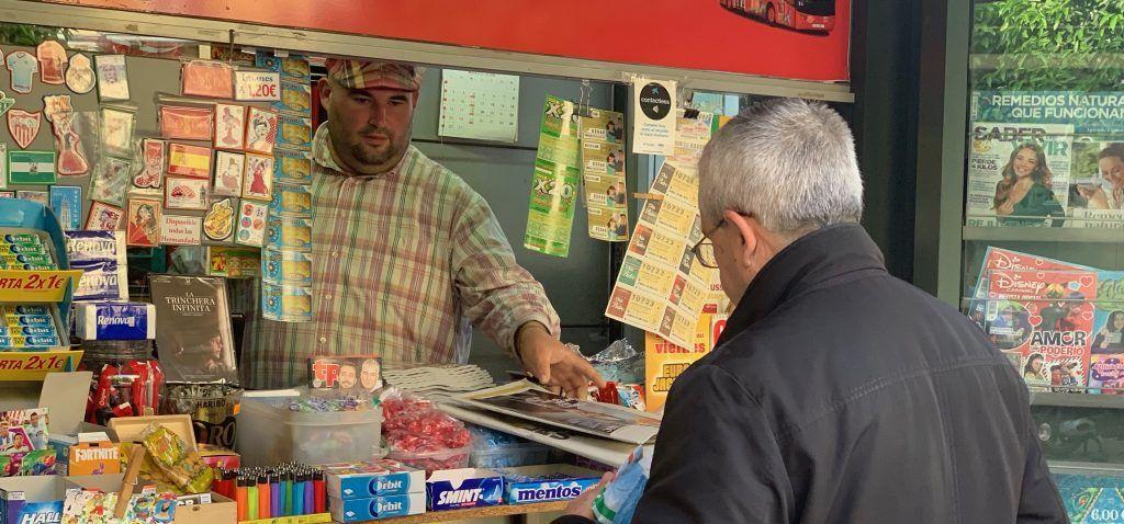 El decreto por el que se declara el estado de alerta en España por el coronavirus contempla la apertura de establecimientos de prensa y papelerías.