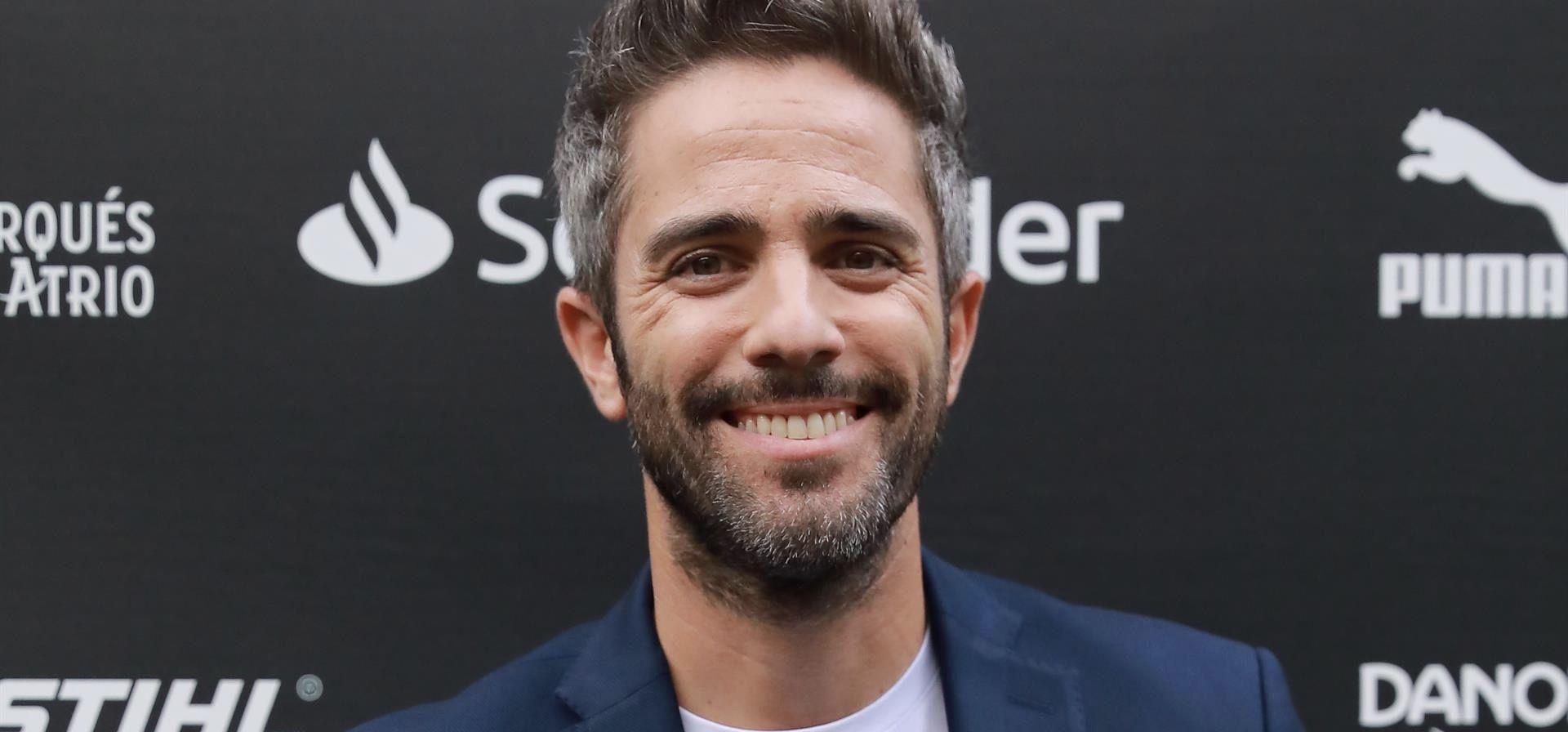 El presentador sevillano Roberto Leal es el elegido para conducir el programa 'Pasapalabra', que se emitirá en las tardes en Antena 3 próximamente.