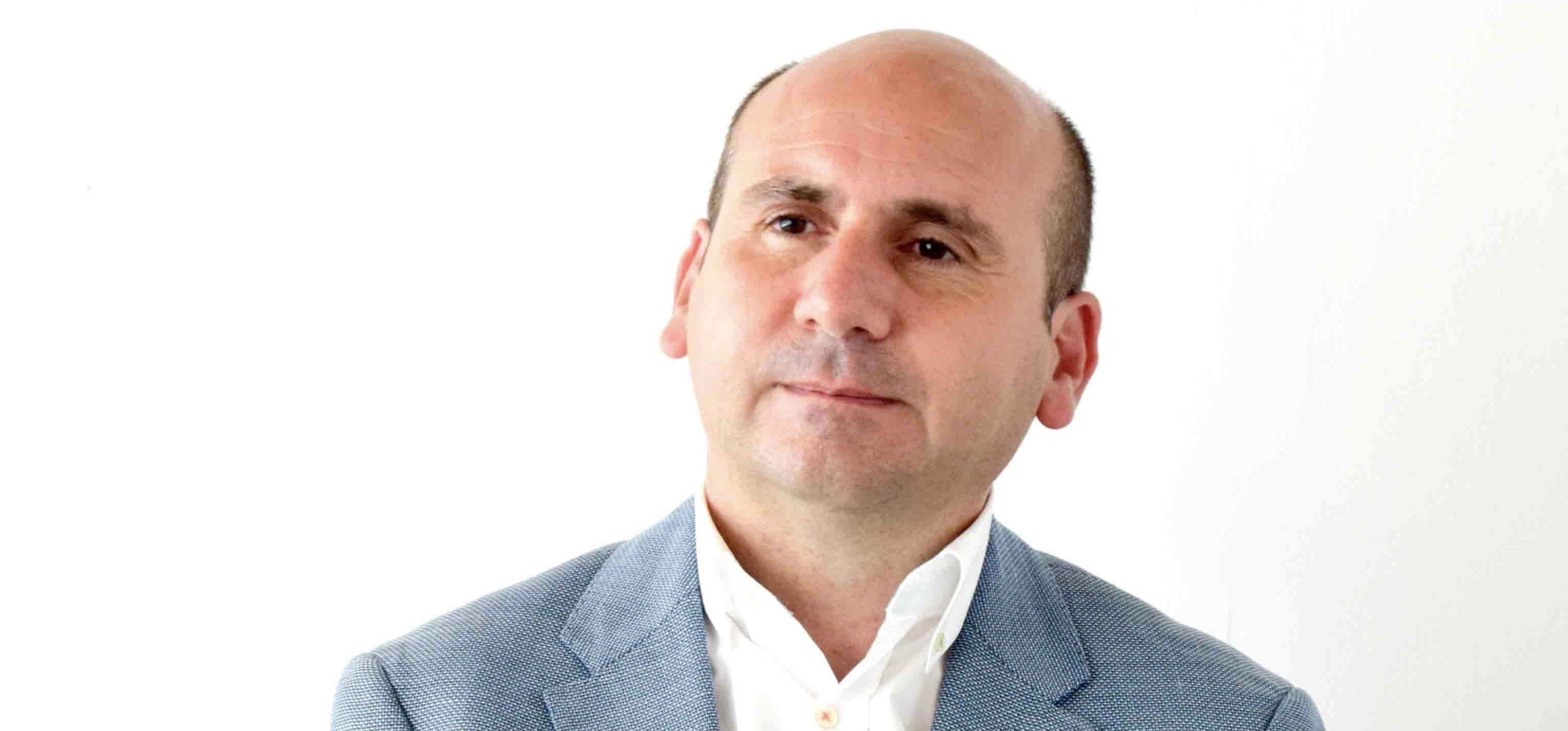 El portavoz socialista en la Comisión de la RTVA, Francisco Conejo, hace balance del primer año de la nueva dirección de Canal Sur.