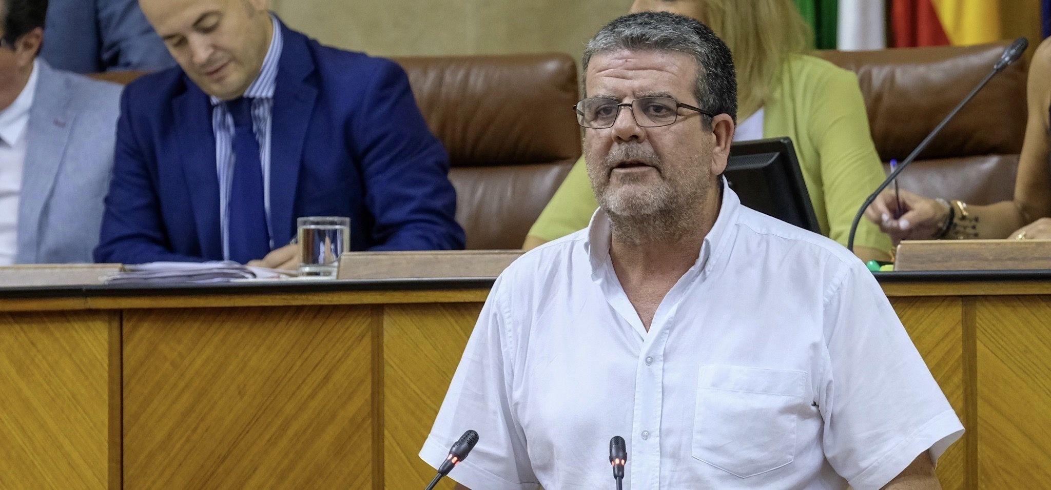 El portavoz de Adelante Andalucia en la Comisión de la RTVA, Nacho Molina, hace balance del primer año de la nueva dirección de Canal Sur.