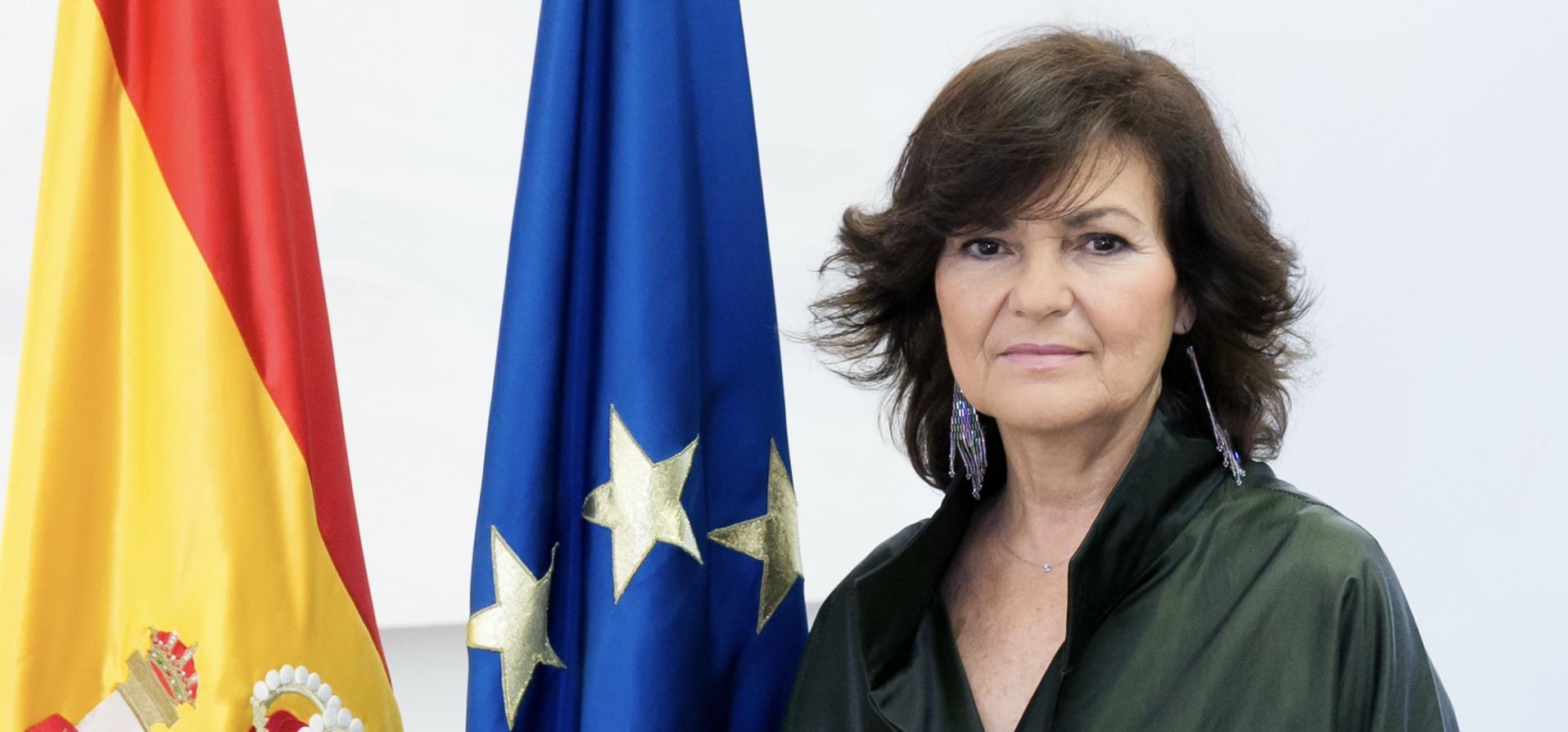Ucronía o deseo de tener una mujer con esa responsabilidad. La cuestión es que Canal Sur, ha convertido a Carmen Calvo en Presidenta por una día.