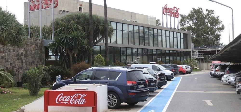 Coca-Cola ha anunciado hoy al Comité de Empresa de la Planta Embotelladora de Málaga, perteneciente a Rendelsur, que cierra su planta en esa ciudad.