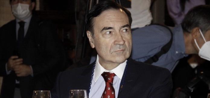 Villarejo, el papel de Rajoy en la Kitchen, el mercado publicitario, RTVE, Canal Sur ... Esto y más con Pedro J en la presentación de El Español Andalucía.