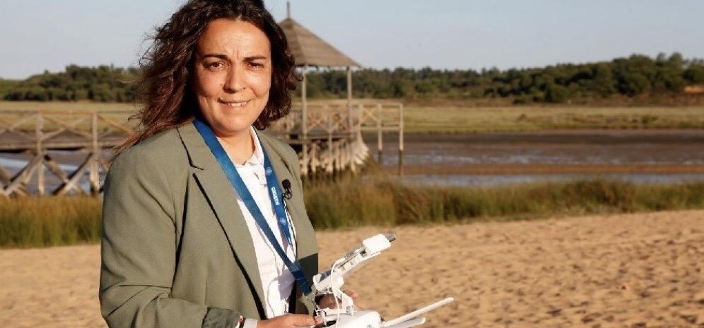 En la serie de Mujeres Valientes, que nos presenta María José Andrade, conoce la historia emprendora de Blanca Vera, pimero piloto de dron en esta tierra.