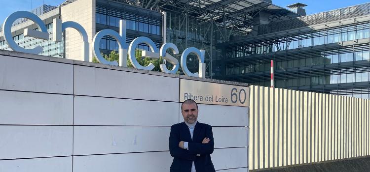 El periodista económico Carlos Pizá De Silva es desde hace unos meses el nuevo jefe de prensa y contenidos de Endesa para España y Portugal.
