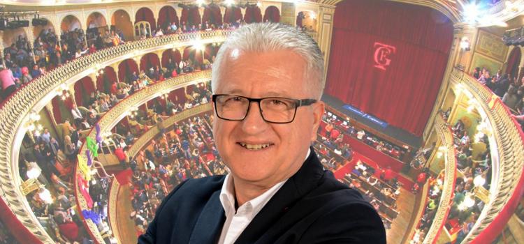 """Entrevista a Manuel Casal, aunténtico """"pregonero"""" de la edición radiofónica del Carnaval de Cádiz. El 'Concurso del Milenio' ya historia de Canal Sur."""