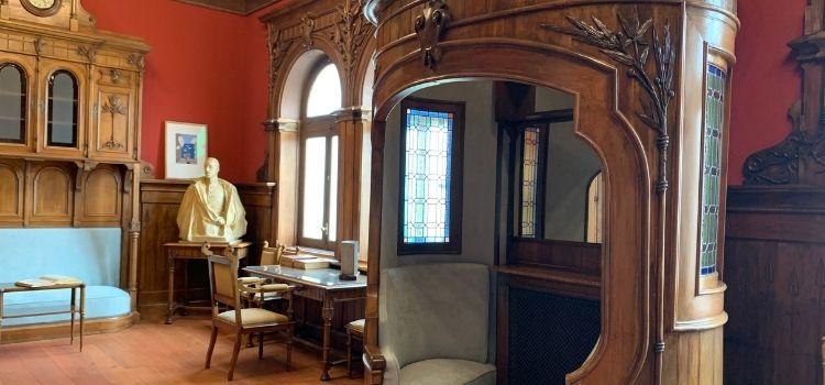 """El despacho del fundador de ABC, """"Blanco y Negro"""" ya luce en la sede del rotativo sevillano en La Cartuja. Ha fielmente traslada desde Madrid."""