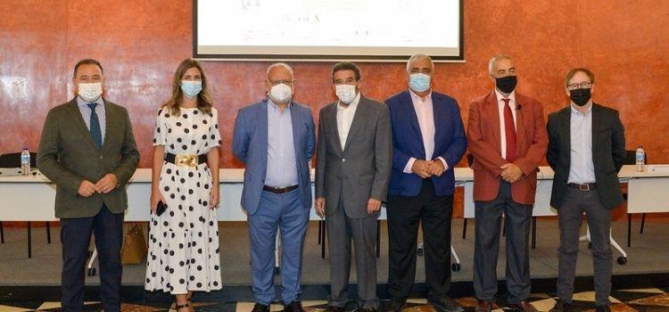 Propuestas y soluciones de los profesionales sobre cómo lo taurino debe propogarse en mayor intensidad en las redes sociales y plataformas de TV.